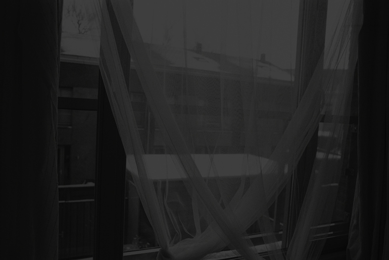 WEBWINDOW 12 SPIEGELIQ SLBKA2013 GREYRHK2014