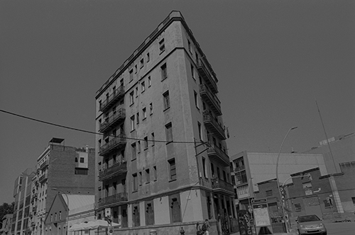WEB1BARCELONARESIDENCY NR 18a IQ 03 CROP 02 VRIJDAG27SEPT2019NEWGRHOUNDLABKORSMITARCHIVES1970