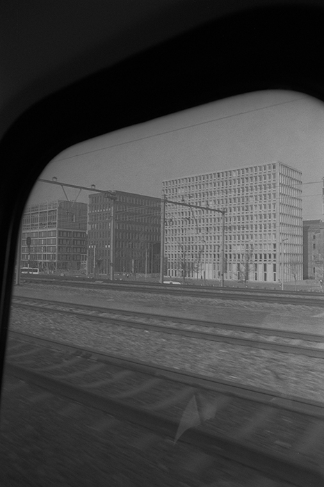 WEB2A|AMSTERDAMTREIN NR 05 IQ 03 CROP 01 SCAN 23 SEPT2019NEWGRHROUNDLABKORSMITARCHIVES1970